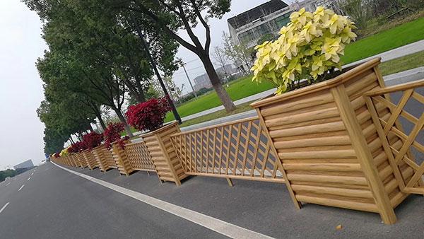 铝合金网格花箱护栏.jpg
